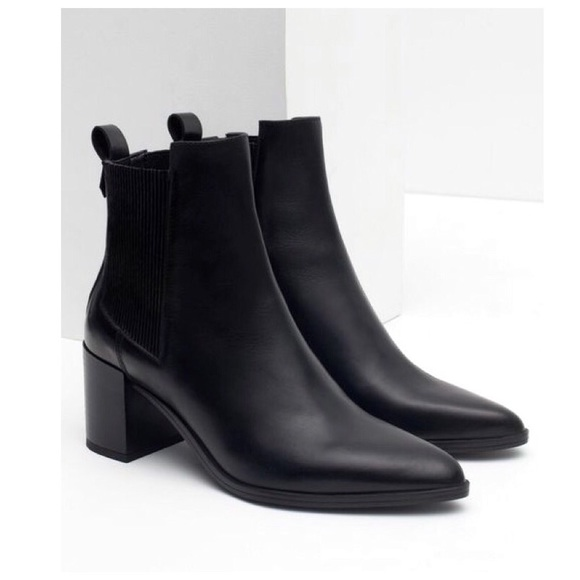 29aff2e42ce Zara Block Heel Leather Boots w Stretch Detail. M 5adf5ea5caab44ff8563275b